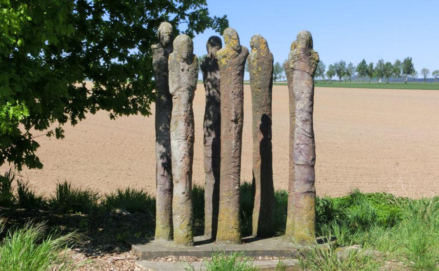 © Telle Schrader Skulptur: Die Wartenden